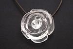 バラの花型 水晶ペンダント〜純粋パワーの薔薇