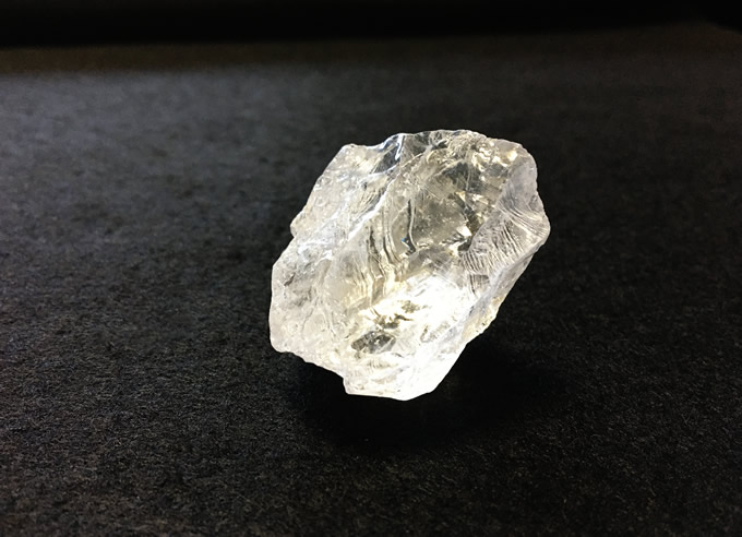 キラキラ天然水晶 原石 マダガスカル産